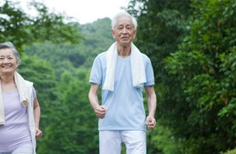 ۷ راهکار کاهش وزن بعد از ۶۰ سالگی