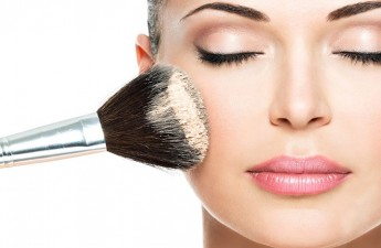 ۵ اشتباه در زیرسازی آرایش صورت