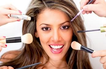 8 اشتباه متداول در آرایش صورت