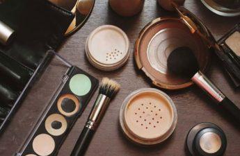 ۱۶ روش برای استفاده از لوازم آرایش تا آخرین قطره