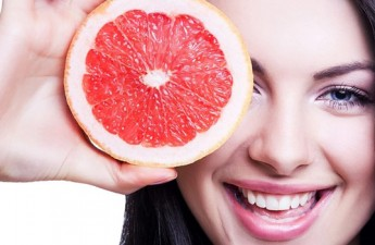 ۵ ماده غذایی خام برای داشتن پوستی زیباتر