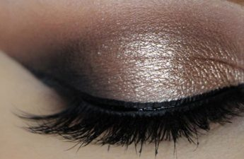 آموزش آرایش چشم – مدل نیمه ماه
