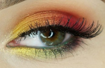 آموزش آرایش چشم – مدل رنگینکمان