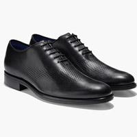 کفش، تاثیر زیادی در بلندتر جلوه دادن قامت فرد دارد