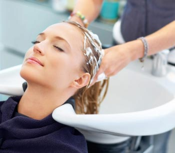 شستشوی موها پس از دکلره