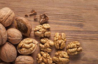 ۱۰ خاصیت برتر گردو برای سلامت پوست و مو