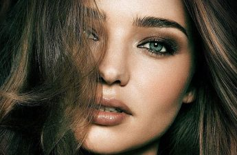 ۷ اشتباه آرایشی که چشمها را کوچک میکند