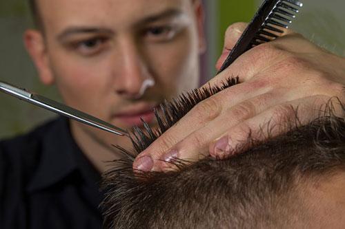 متناسب با اندازه موهایتان، آرایشگاه بروید