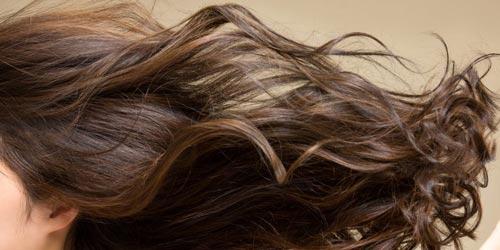 از گردو بهعنوان رنگ موی طبیعی استفاده کنید