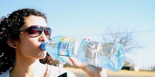 نوشیدن آب به میزان کافی