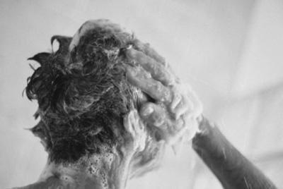 شستشوی روزانه موها