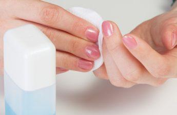 چطور لاک سلامت ناخن را به خطر میاندازد؟