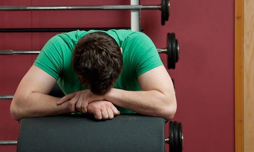 اگر در باشگاه ورزشی احساس خستگی میکنید کافئین مصرف کنید