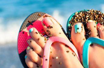 ۱۰ طرح ناخن تابستانه برای زیباتر نشاندادن پاها