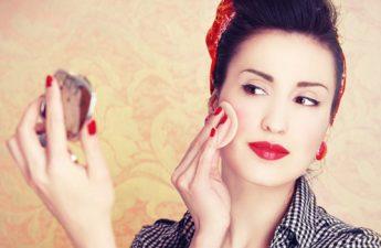 چرا و چطور باید از پنکیک ها و سایر پودرهای آرایشی استفاده کنیم؟