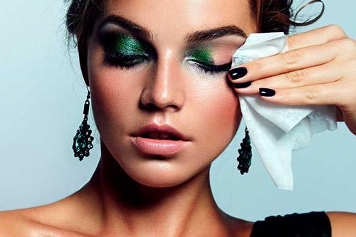 روشهای رایج پاککردن آرایش ضدآب