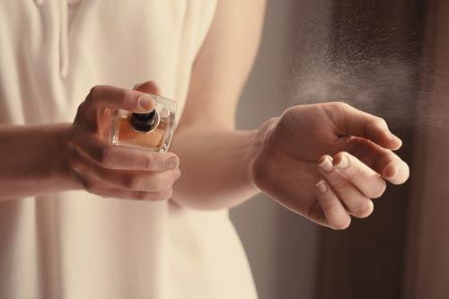 تستکردن عطر انتخابی