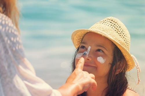 خرید کرم ضد لک و ضد آفتاب برای درمان عارضههای پوستی