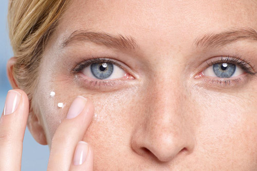 ترفندها و نکتههایی که از کرمهای دور چشم باید بدانیم