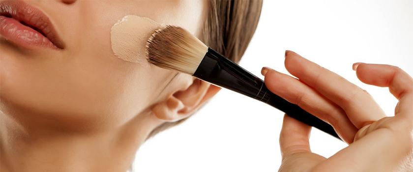 راهنمای خرید بهترین کرم پودر برای زیرسازی آرایش انواع پوست