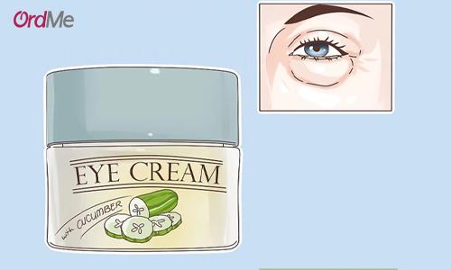 در هنگام خرید کرم دور چشم مناسب با پوست خود دقت کنید که بتواند پف زیر چشم را هم درمان کند.