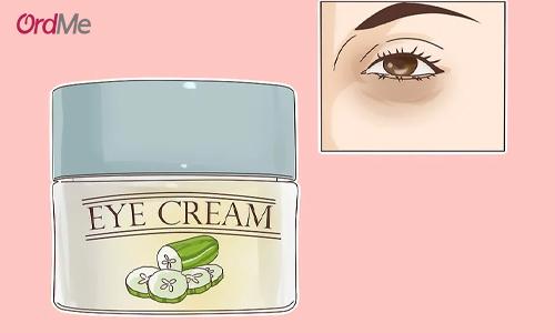کرم دور چشم مناسب پوست شما باید بتواند تیرگی زیر چشم را هم درمان کند.