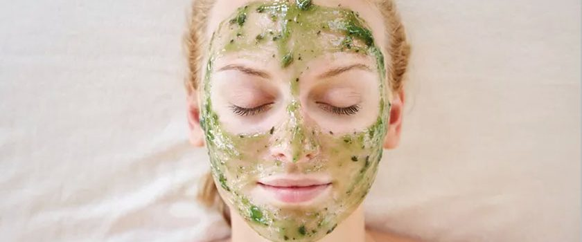 آیا با درمان خانگی می شود لکه های تیره پوستی را از بین برد؟