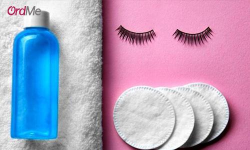 گام آخر با پاک کننده آرایش چشم، ریمل خود را پاک کنید.