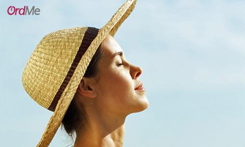 در هنگام خرید کرم ضد آفتاب دقت کنید که محصول مورد نیاز پوست خود را بخرید.