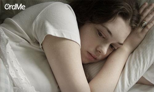 علت پف چشم ها بعد از بیدار شدن از خواب