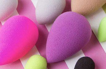 کاربردهای بیوتی بلندر یا اسفنج های تخم مرغی در آرایش صورت