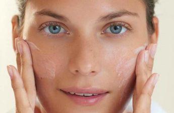 بررسی عوامل مؤثر در بروز لکه های پوستی به همراه درمان آن ها