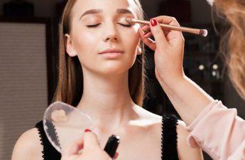 از کاربردهای مفید کانسیلر در آرایش صورت چه میدانید؟