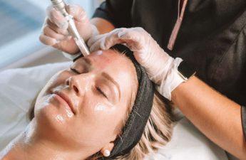 میکرونیدلینگ | بهترین روش برای روشن شدن پوست صورت