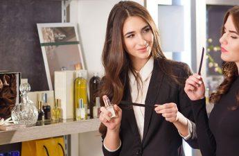 معرفی بهترین رایحه های عطر زنانه مخصوص خانم های شاغل