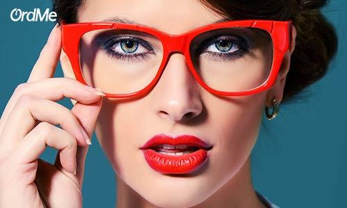 خرید بهترین ریمل برای آرایش چشم مخصوص عینکی ها