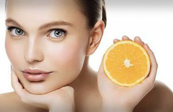 چرا برای درمان لکه ها باید کرم ضد لک دارای ویتامین C خرید؟