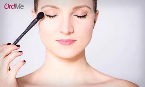 افزایش ماندگاری سایه چشم در آرایش صورت