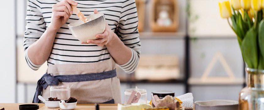 آموزش ساخت عطر زنانه و مردانه خانگی به کمک روغن های معطر