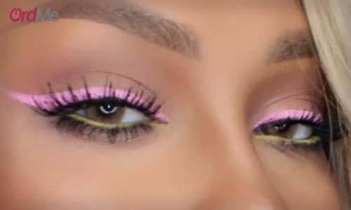 خط چشم رنگی با رژ لب