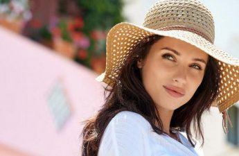 لوازم آرایش ضروری برای تابستان چه وسایلی هستند؟