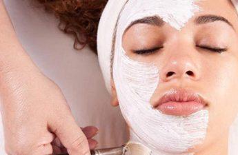 روشن کردن پوست با بهترین ماسک های ضد لک صورت