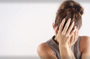 جوش روی پوست سر | بررسی علت و روش درمان آن