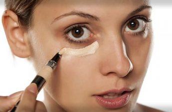 از کدام کانسیلر برای پوشش تیرگی دور چشم استفاده کنیم؟