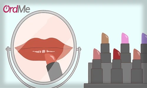 رنگ های مختلف را روی لب خود امتحان کنید