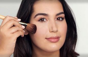 مهم ترین علت جوش زدن پوست بعد از آرایش چیست؟