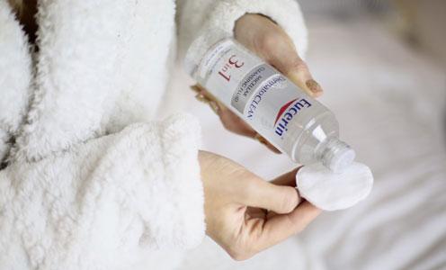 روش استفاده از آب پاک کننده میسلر 3 در 1 اوسرین