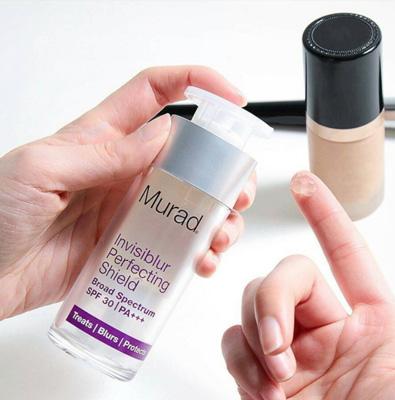 استفاده از سرم ضد آفتاب و ضد چروک نامرئی Murad SPF 30