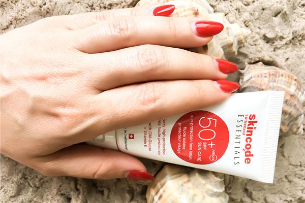 لوسیون ضد آفتاب با skincode SPF 50